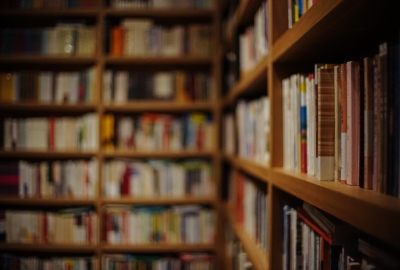book-809887_1920-400x270-MM-100